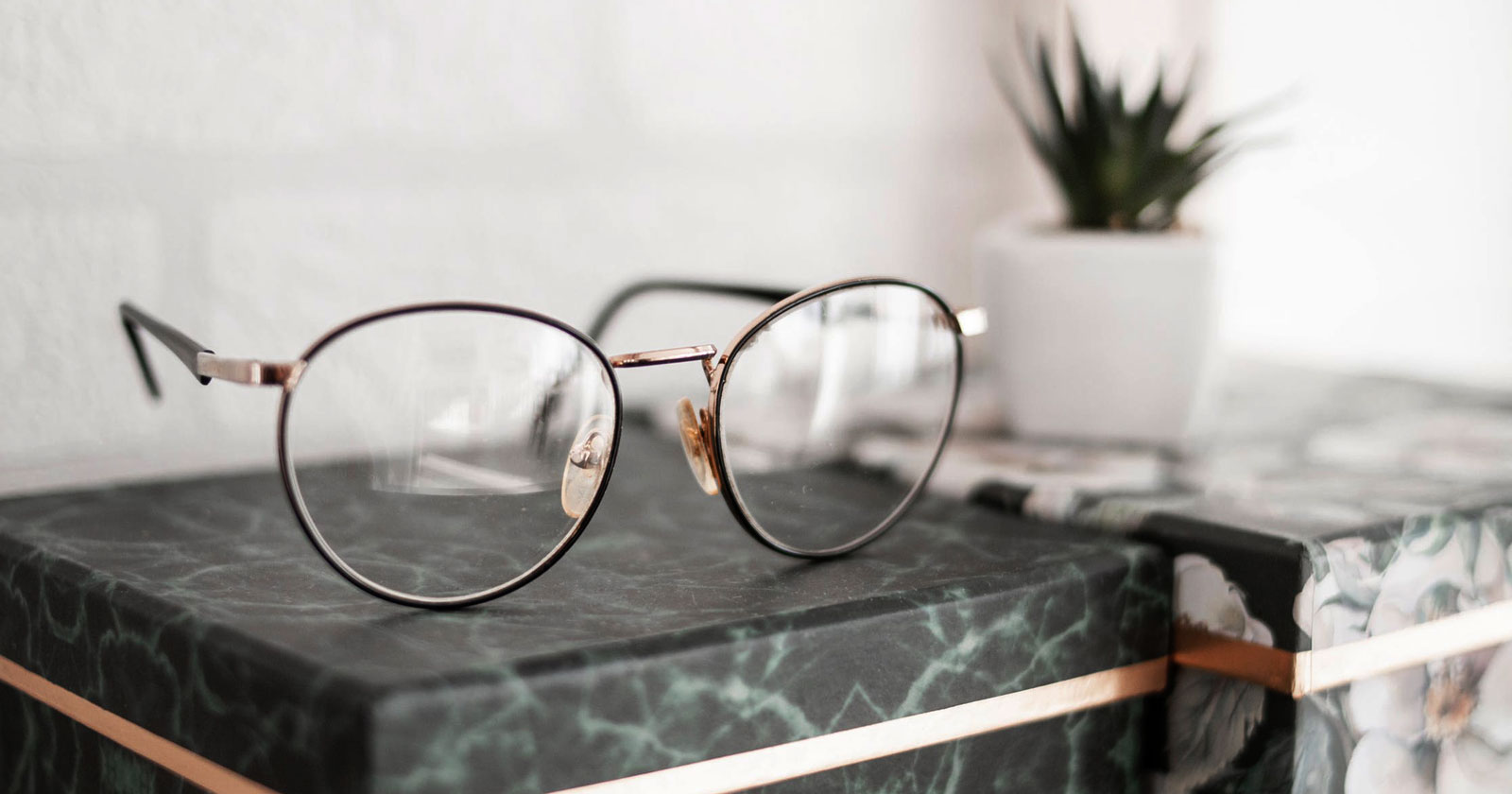How to Clean Your Glasses Rightly?