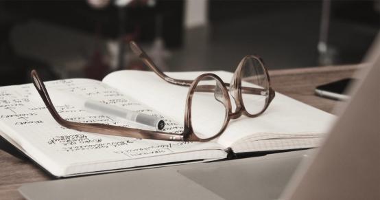 How Blue-Light Blocking Glasses Work