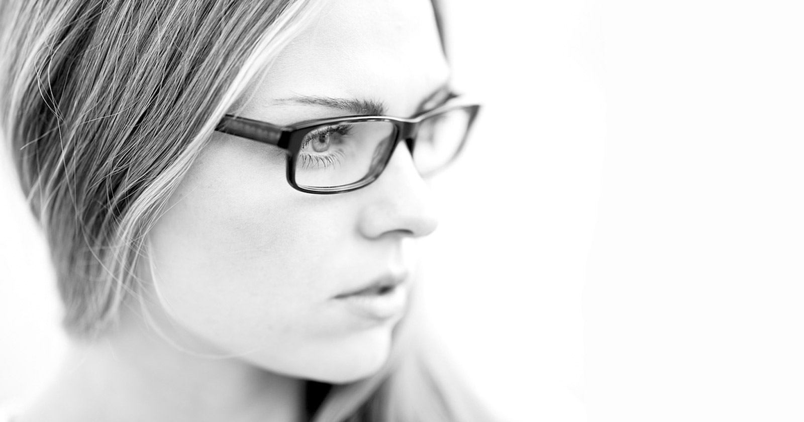 What Kind of Glasses is Right for Strong Prescription?